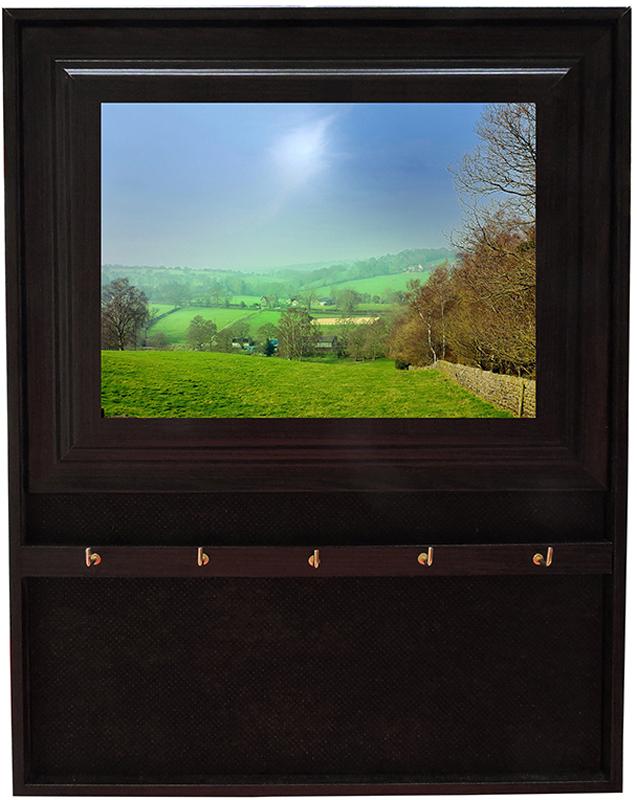 Вешалка-ключница Milarte Открытая, 31 х 24,5 х 1,5 см. KOMV-107019KOMV-107019Вешалка-ключница Milarte Открытая, выполненная из МДФ, украсит интерьер помещения, а также поможет создать атмосферу уюта. Ключница, декорированная оригинальным изображением, станет не только украшением вашего дома, но и послужит функционально. Изделие имеет четыре металлических крючка для ключей.Вешалка-ключница подвешивается на стену, крепежные элементы входят в комплект. Размер изображения: 17 х 12 см.