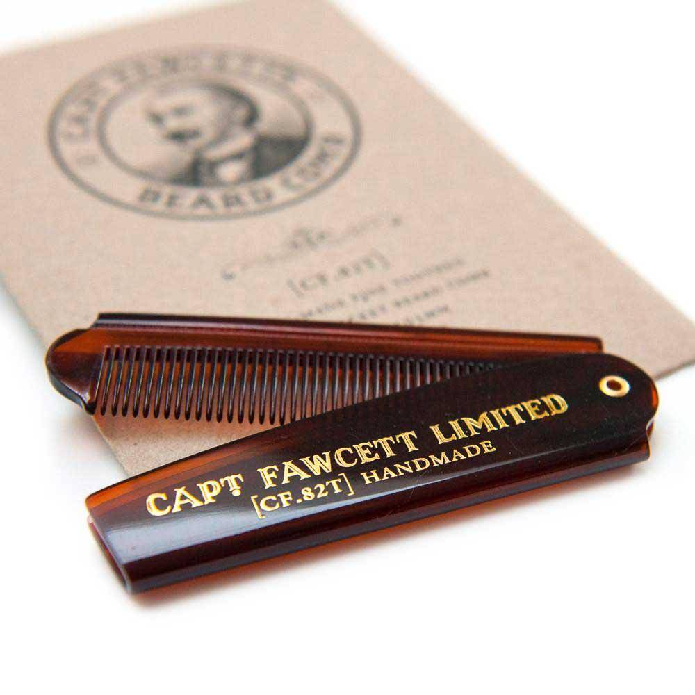 Captain Fawcett Складная расческа для бороды . CF82TCF82TРаскладная расческа для бороды от Captain Fawcett создана вручную. Окажет незаменимую помощь в уходе за вашими бородой и усами. Длина 193 мм (в разложенном состоянии).