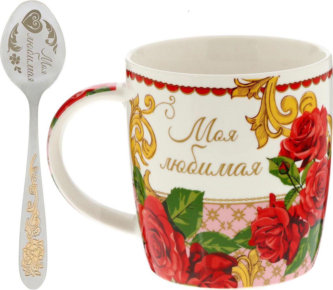 Набор Sima-land Моя любимая: кружка с ложкой, 300 мл. 15310501531050Радуйте и удивляйте! Уют складывается из самых разных мелочей. Напиток станет вкуснее и ароматнее, если у вас есть стильная посуда. Аккуратная ложечка, которая входит в комплект, позволит совмещать приятное чаепитие с наслаждением от вкусного десерта. Пара преподносится в яркой привлекательной подарочной коробочке. Это креативный и полезный сувенир с тёплыми пожеланиями для близких и родных! Соберите коллекцию для всей семьи, тогда каждое чаепитие в кругу родных превратится в настоящую церемонию!