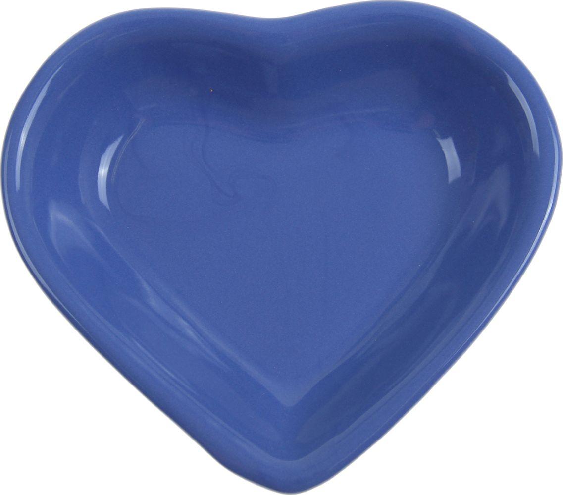 Миска для снэков Keramika Сердечко, 200 мл, цвет: синий. 868233868233От качества посуды зависит не только вкус еды, но и здоровье человека. Миска для снэков 200 мл Сердечко, d=14 см, цвет синий — товар, соответствующий российским стандартам качества. Любой хозяйке будет приятно держать его в руках. С нашей посудой и кухонной утварью приготовление еды и сервировка стола превратятся в настоящий праздник.