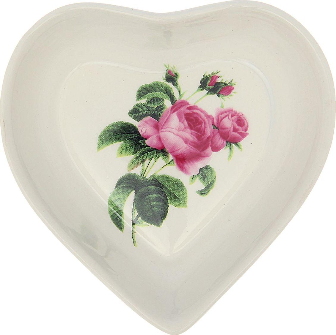 Салатник Керамика ручной работы Сердце. Марта, 200 мл. 16473091647309Такой салатник понравится любителям вкусной и полезной домашней пищи. Такая посуда практична и красива, в ней можно хранить и подавать разнообразные блюда. При многократном использовании изделие сохранит свой вид и выдержит мытьё в посудомоечной машине. В керамической ёмкости горячая пища долго сохраняет своё тепло, остуженные блюда остаются прохладными. Изделие не выделяет вредных веществ при нагревании и длительном хранении за счёт экологичности материала. Блюда, поданные в такой посуде, выглядят привлекательно и аппетитно.