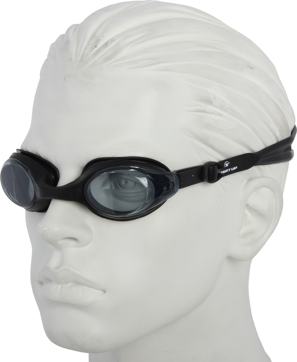 Очки для плавания Start Up, цвет: черный. G1211239486Очки для плавания Start Up рекомендованы для начинающих и тренирующихся спортсменов.Особенности: -антизапотевающее покрытие: Antifog; -защита от ультрафиолета: UV Protection; -линзы: поликарбонат; -оправа: силикон; -ремешок: силикон; -переносица: нерегулируемая.