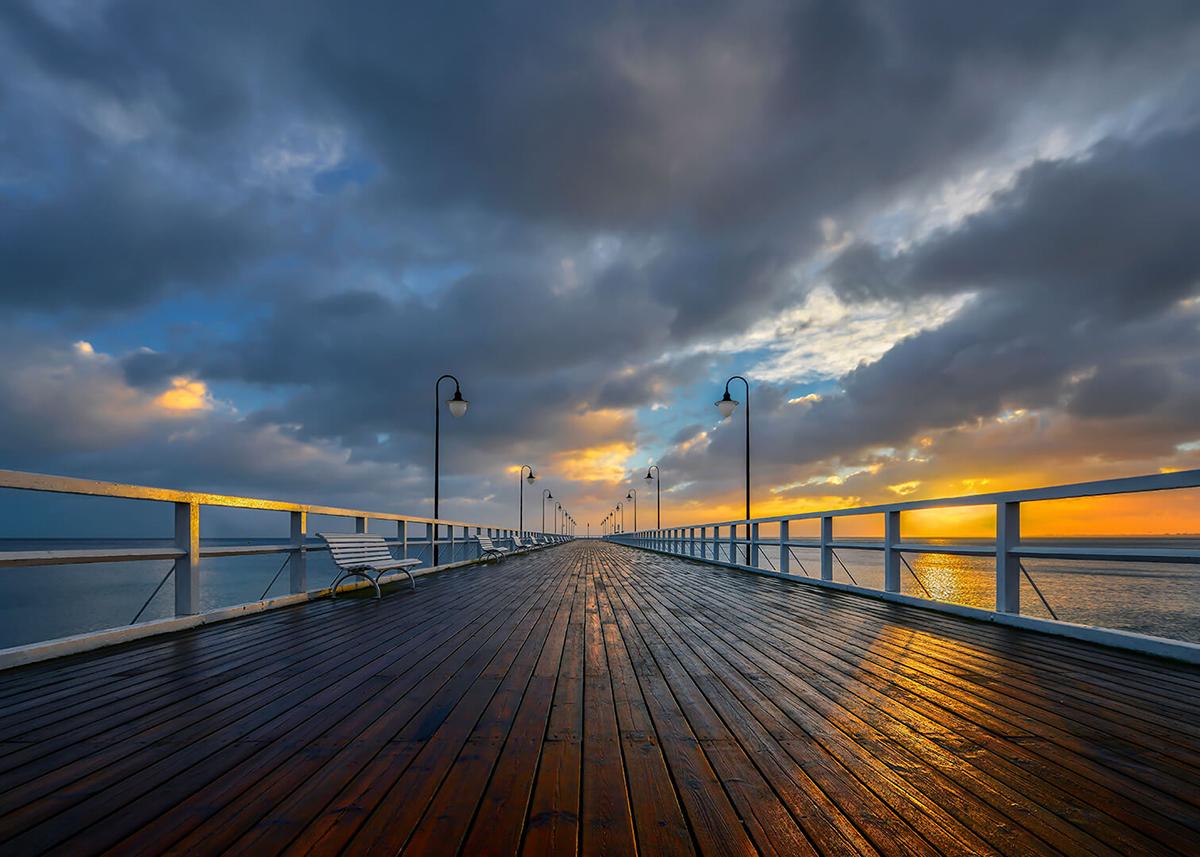 Фотообои PosterMarket Пирс на Балтике, 254 x 184 смWM-28Морской бриз, деревянный пирс уходящий в даль, красивые облака создают неповторямую атмосферу, таинственную и манящую.