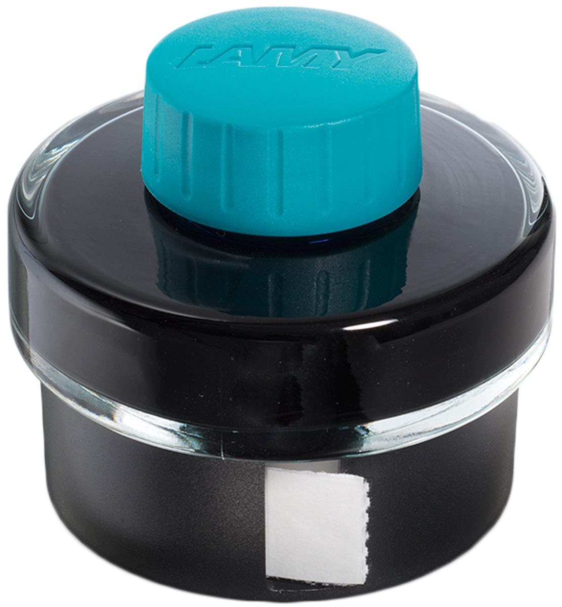 Lamy Чернила для письма T52 цвет бирюзовый 50 мл1608934Чернила для перьевых ручек на водной основе в стеклянном флаконе с пластиковым основанием. В основании находится рулон промокательной бумаги для удаления капель чернил с пишущего узла ручки после заправки. На дне флакона имеется углубление для сбора остатков чернил для удобной заправки и использования до последней капли. Чернила предназначены для заправки перьевых ручек с помощью конвертера а также для поршневых перьевых ручек. Цвет: бирюзовый. История бренда Lamy насчитывает более 80-ти лет, а его философия заключается в слогане Дизайн. Сделано в Германии. Компания получила более 100 самых престижных дизайнерских наград. Все пишущие инструменты Lamy производятся на фабрике в Гейдельберге (Германия).