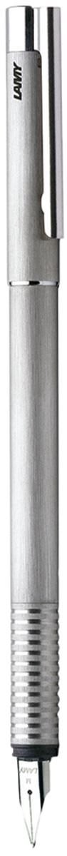 Lamy Ручка перьевая Logo синяя цвет корпуса серебристый толщина F4000054Отличительные черты этого модельного ряда – чистота формы и высокая функциональность. Надежные материалы и удобство в использовании делают ее хорошим компаньоном на все случаи жизни – это отличная ручка на каждый день.Пружинный стальной клип с встроенным шариком позволяет крепко фиксировать ручку и плавно снимать. Корпус и колпачок изготовлены из нержавеющей стали, покрытой матовым лаком перламутрового цвета. Рифленый нескользящий хват. Стальное полированное перо.Перьевая ручка используется с чернильными картриджами Lamy T10 или с конвертером для заправки чернилами из банки Lamy Z27. Дизайн: Вольфганг Фабиан.Награда за дизайн: iF Hannover, Red Dot Design Award. История бренда Lamy насчитывает более 80-ти лет, а его философия заключается в слогане Дизайн. Сделано в Германии. Компания получила более 100 самых престижных дизайнерских наград. Все пишущие инструменты LAMY производятся на фабрике в Гейдельберге (Германия).