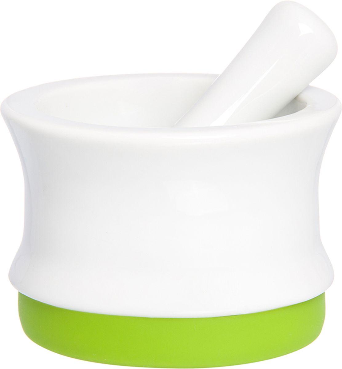 Ступка с пестиком Elan Gallery, с подставкой, цвет: белый, салатовый, 7,5 х 7,5 х 5,3 см900031Ступка с силиконовой ножкой-подставкой и пестиком очень удобна для измельчения специй. Незаменимый помощник на кухне. Отличный подарок для искусных кулинаров.