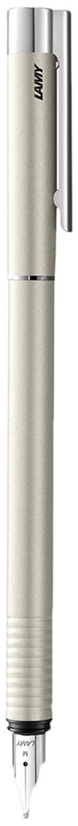 Lamy Ручка перьевая Logo синяя цвет корпуса перламутровый толщина F4031008Отличительные черты этого модельного ряда – чистота формы и высокая функциональность. Надежные материалы и удобство в использовании делают ее хорошим компаньоном на все случаи жизни – это отличная ручка на каждый день.Пружинный стальной клип с встроенным шариком позволяет крепко фиксировать ручку и плавно снимать. Корпус и колпачок изготовлены из нержавеющей стали, покрытой матовым лаком перламутрового цвета. Рифленый нескользящий хват. Стальное полированное перо.Перьевая ручка используется с чернильными картриджами Lamy T10 или с конвертером для заправки чернилами из банки Lamy Z27. Дизайн: Вольфганг Фабиан.Награда за дизайн: iF Hannover, Red Dot Design Award. История бренда Lamy насчитывает более 80-ти лет, а его философия заключается в слогане Дизайн. Сделано в Германии. Компания получила более 100 самых престижных дизайнерских наград. Все пишущие инструменты LAMY производятся на фабрике в Гейдельберге (Германия).