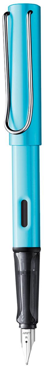 Lamy Ручка перьевая Al-star цвет корпуса голубой толщина M4031205ЛИМИТИРОВАННЫЙ ВЫПУСК 2017 ГОДА. Алюминиевая версия культовой модели LAMY Safari под названием LAMY Al-star. Корпус и колпачок из анодированного алюминия. Эргономичный хват, позволяющий пальцам принять правильное положение при письме. Изготовлен из прозрачного пластика.Металлический клип на колпачке напоминает по форме канцелярскую скрепку. Окошко на корпусе позволяет контролировать расход чернил. Стальное заменяемое перо. Перьевая ручка используется с чернильными картриджами LAMY T10 или с конвертером LAMY Z28 для заправки чернилами из флакона LAMY T51 или LAMY T52. Комплектация: Подарочная коробка, чернильный картридж синего цвета LAMY T10, инструкция. Дизайн: Вольфганг Фабиан. Награда за дизайн: iF Hannover. История бренда LAMY насчитывает более 80-ти лет, а его философия заключается в слогане Дизайн. Сделано в Германии. Компания получила более 100 самых престижных дизайнерских наград. Все пишущие инструменты LAMY производятся на фабрике в Гейдельберге (Германия).