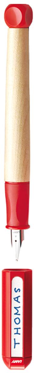 Lamy Ручка перьевая ABC цвет корпуса красный толщина LH4000072Перьевая ручка для обучения письму. Рекомендована к использованию в начальной школе в 70% школ Германии. Разработана дизайнерами, педагогами и психологами специально для детей, делающих первые шаги в письме. В отличие от шариковых ручек, перьевая ручка не требует сильного нажима при письме, что помогает ребенку легче справляться с освоением письма и сохранить осанку. Резиновый эргономичный хват, прикрывающий основание пера, с легкими углублениями для пальцев. Разгружает руку, предотвращая уставание при письме, онемение пальцев, а также соскальзывание пальцев к пишущему узлу. Корпус из легкого и прочного кленового дерева. Кубик на конце ручки не дает ей скатываться с парты. Колпачок можно подписать. Наклейки прилагаются. Стальное заменяемое перо для начинающих.Цвет деталей корпуса: красный. Перьевая ручка используется с чернильными картриджами LAMY T10 или с конвертером LAMY Z28 для заправки чернилами из флакона LAMY T51 или LAMY T52. Модель также доступна, как автоматический карандаш (1,4 мм) для освоения письма печатных букв и цифр. Дизайн: проф. Бернт Шпигель. История бренда LAMY насчитывает более 80-ти лет, а его философия заключается в слогане Дизайн. Сделано в Германии. Компания получила более 100 самых престижных дизайнерских наград. Все пишущие инструменты LAMY производятся на фабрике в Гейдельберге (Германия).
