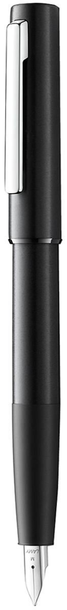 Lamy Ручка перьевая Aion цвет корпуса черный толщина M4031942Lamy Aion (077) ЧерныйПросто и современно: Lamy aion. Новинка. Lamy расширили свое портфолио новым пишущим инструментом – очень простым и функциональным, содержащим в себя ряд прогрессивных деталей.Lamy aion создан в коллаборации с одним из самых влиятельных современных дизайнеров – британцем Джаспером Моррисоном.Ручки этого модельного ряда обладают гладкой шелковистой поверхностью.Lamy разработали для их изготовления инновативные производственные процессы. Алюминиевые корпус и колпачок - бесшовные. Они формируются методом глубокой вытяжки (deep drawing), поверхность шлифуется, окрашивается и полируется. Секция хвата обрабатывается обжигом и затем анодируется. Матовые и полированные поверхности создают интересный оптический эффект. Блестящий полированный подпружиненный клип довершает облик ручки - минималистичной и функциональной.Перьевая ручка черного цвета. Анодироварованный алюминий, поверхность обработана круговой брашинг-полировкой. Стальное полированное перо нового дизайна. Перьевая ручка используется с чернильными картриджами Lamy T10 или с конвертером Lamy Z27 для заправки чернилами из флакона Lamy T51 или Lamy T52 Комплектация: подарочный футляр, гарантийная карточка, буклет, конвертер Lamy Z27, чернильный картридж синего цвета Lamy T10. Дизайн: Джаспер Моррисон История бренда Lamy насчитывает более 80-ти лет, а его философия заключается в слогане Дизайн. Сделано в Германии. Компания получила более 100 самых престижных дизайнерских наград. Все пишущие инструменты Lamy производятся на фабрике в Гейдельберге (Германия).