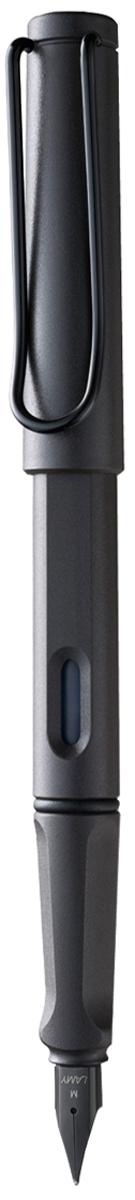 Lamy Ручка перьевая Safari синяя цвет корпуса темно-коричневый толщина F4000202Самая популярная ручка бренда Lamy. Создана в 1980 году в коллаборации с дизайнерами и психологами специально для подростков. Сейчас трудно найти в Европе школу или университет, где не писали бы Lamy Safari. В 80-е дизайн этой ручки многим казался немного странным, ни на что непохожим, что, вероятно, и привлекло молодежь, которую уже не устраивал традиционный дизайн обычных ручек. Lamy Safari хорошо показала себя в деле: ручка пишет практически без нажима, ее эргономика такова, что рука не устает даже от долгого письма. Сейчас этими ручками пишут и рисуют, а также их коллекционируют – помимо широкой гаммы постоянных цветов, каждый год выходит лимитированный выпуск ручек в самом модном цвете.Выполнена из прочного ABS пластика. Эргономичный хват, позволяющий пальцам принять правильное положение при письме. Металлический клип на колпачке напоминает по форме канцелярскую скрепку. Окошко на корпусе позволяет контролировать расход чернил. Стальное заменяемое перо.Перьевая ручка используется с чернильными картриджами Lamy T10 или с конвертером Lamy Z28 для заправки чернилами из флакона Lamy T51 или Lamy T52.Комплектация: подарочная коробка, чернильный картридж синего цвета Lamy T10, инструкция. Дизайн: Вольфганг Фабиан. Награда за дизайн: iF Hannover. История бренда Lamy насчитывает более 80-ти лет, а его философия заключается в слогане Дизайн. Сделано в Германии. Компания получила более 100 самых престижных дизайнерских наград. Все пишущие инструменты LAMY производятся на фабрике в Гейдельберге (Германия).