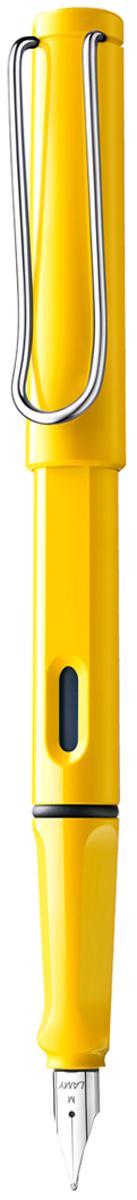 Lamy Ручка перьевая Safari синяя цвет корпуса желтый толщина M4000217Самая популярная ручка бренда Lamy. Создана в 1980 году в коллаборации с дизайнерами и психологами специально для подростков. Сейчас трудно найти в Европе школу или университет, где не писали бы Lamy Safari. В 80-е дизайн этой ручки многим казался немного странным, ни на что непохожим, что, вероятно, и привлекло молодежь, которую уже не устраивал традиционный дизайн обычных ручек. Lamy Safari хорошо показала себя в деле: ручка пишет практически без нажима, ее эргономика такова, что рука не устает даже от долгого письма. Сейчас этими ручками пишут и рисуют, а также их коллекционируют – помимо широкой гаммы постоянных цветов, каждый год выходит лимитированный выпуск ручек в самом модном цвете.Выполнена из прочного ABS пластика. Эргономичный хват, позволяющий пальцам принять правильное положение при письме. Металлический клип на колпачке напоминает по форме канцелярскую скрепку. Окошко на корпусе позволяет контролировать расход чернил. Стальное заменяемое перо.Перьевая ручка используется с чернильными картриджами Lamy T10 или с конвертером Lamy Z28 для заправки чернилами из флакона Lamy T51 или Lamy T52.Комплектация: подарочная коробка, чернильный картридж синего цвета Lamy T10, инструкция. Дизайн: Вольфганг Фабиан. Награда за дизайн: iF Hannover. История бренда Lamy насчитывает более 80-ти лет, а его философия заключается в слогане Дизайн. Сделано в Германии. Компания получила более 100 самых престижных дизайнерских наград. Все пишущие инструменты LAMY производятся на фабрике в Гейдельберге (Германия).