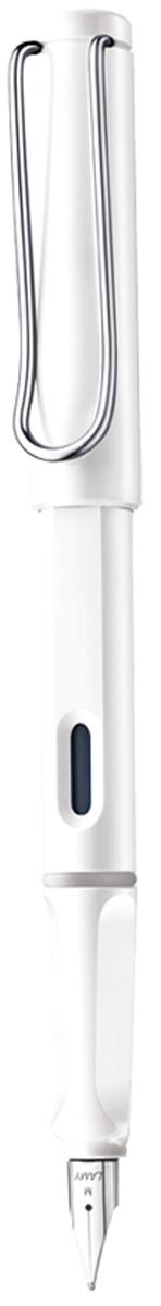 Lamy Ручка перьевая Safari синяя цвет корпуса белый толщина EF4000250Самая популярная ручка бренда Lamy. Создана в 1980 году в коллаборации с дизайнерами и психологами специально для подростков. Сейчас трудно найти в Европе школу или университет, где не писали бы Lamy Safari. В 80-е дизайн этой ручки многим казался немного странным, ни на что непохожим, что, вероятно, и привлекло молодежь, которую уже не устраивал традиционный дизайн обычных ручек. Lamy Safari хорошо показала себя в деле: ручка пишет практически без нажима, ее эргономика такова, что рука не устает даже от долгого письма. Сейчас этими ручками пишут и рисуют, а также их коллекционируют – помимо широкой гаммы постоянных цветов, каждый год выходит лимитированный выпуск ручек в самом модном цвете.Выполнена из прочного ABS пластика. Эргономичный хват, позволяющий пальцам принять правильное положение при письме. Металлический клип на колпачке напоминает по форме канцелярскую скрепку. Окошко на корпусе позволяет контролировать расход чернил. Стальное заменяемое перо.Перьевая ручка используется с чернильными картриджами Lamy T10 или с конвертером Lamy Z28 для заправки чернилами из флакона Lamy T51 или Lamy T52.Комплектация: подарочная коробка, чернильный картридж синего цвета Lamy T10, инструкция. Дизайн: Вольфганг Фабиан. Награда за дизайн: iF Hannover. История бренда Lamy насчитывает более 80-ти лет, а его философия заключается в слогане Дизайн. Сделано в Германии. Компания получила более 100 самых престижных дизайнерских наград. Все пишущие инструменты LAMY производятся на фабрике в Гейдельберге (Германия).
