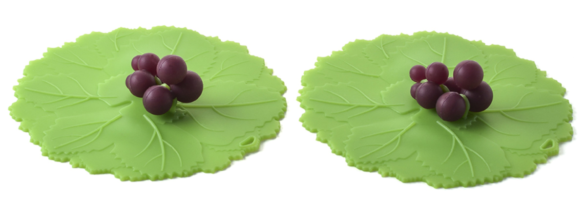 Набор крышек для напитков Charles Viancin Grape, 2 шт5205Набор крышек для напитков Charles Viancin Grape выполнен из силикона. Крышка герметична, привлекательна по дизайну и функциональна. Ее можно использовать в процессе приготовления пищи на плите, в микроволновой печи и в духовом шкафу. Подходит для посудомоечной машины. Можно использовать в холодильнике. Закроет любую емкость с гладким ободом диаметром до 10 см.