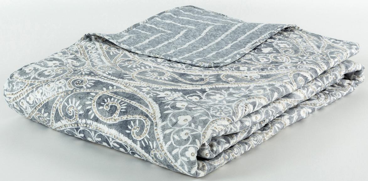 Покрывало Cozy Home Неаполь, стеганое, цвет: серый, 160 х 220 см404804Стежка на покрывалах и пледах позволяет не только зафиксировать наполнитель и подкладку, но также может стать дополнительным украшением изделия.Высокое качество и оригинальный дизайн без ущерба для бюджета.