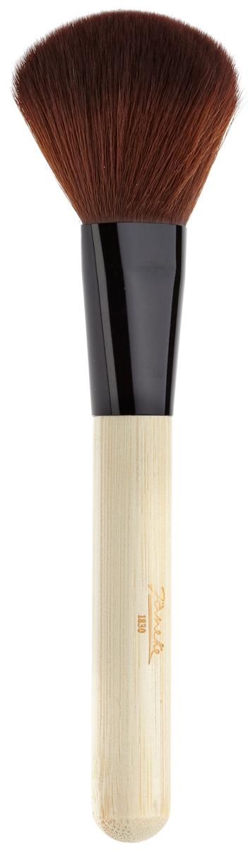 JANEKE Кисть для пудры. PE 63 BPE 63 BJANEKE Кисть для пудры. Назначение: для нанесения макияжа. Марка Janeke – мировой лидер по производству аксессуаров. Инновационные технологии и современные материалы делают продукцию марки поистине уникальной. Чудесная кисть: Кисти отлично подходят для кремообразных жирных текстур — тональные основы, консилеры и корректоры, помады, кремовые румяна и пудры.