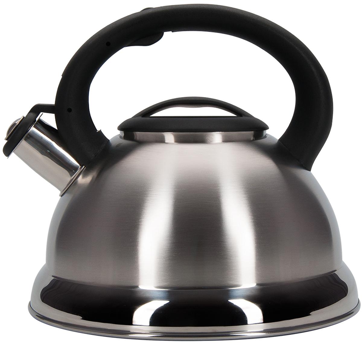 Чайник Regent Inox Tea, со свистком, цвет: серебристый, черный, 2,5 л. 93-TEA-2793-TEA-27Чайник Regent Inox Tea подходит не только для того, чтобы вскипятить воду и напоить вкусным чаем своих родных, но и для украшения вашей кухни. Чайник выполнен из качественной нержавеющей стали 18/10, а также он подходит для всех видов плит. Материал нержавеющая сталь обладает массой достоинств, например, высокая теплопроводность, которая и обеспечивает быстрое закипание, ручка - бакелит. Нержавеющая сталь также стойка к коррозии и кислотам, прочна и долговечна. Чайник Regent Inox Tea можно мыть как вручную, так и в посудомоечной машине.Объем: 2,5 л.
