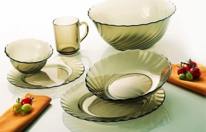 Столовый набор Luminarc Океан Эклипс, 31 предметL5109Столовый набор Luminarc Океан Эклипс, 31 предмет. Состав набора: тарелка суповая 20,5 см - 6 шт; тарелка обеденная, 24,5 см - 6 шт; тарелка десертная, 19,5 см - 6 шт; салатник большой, 24 см - 1 шт; салатник малый, 12 см - 6 шт; кружка, объем 250 мл – 6 шт