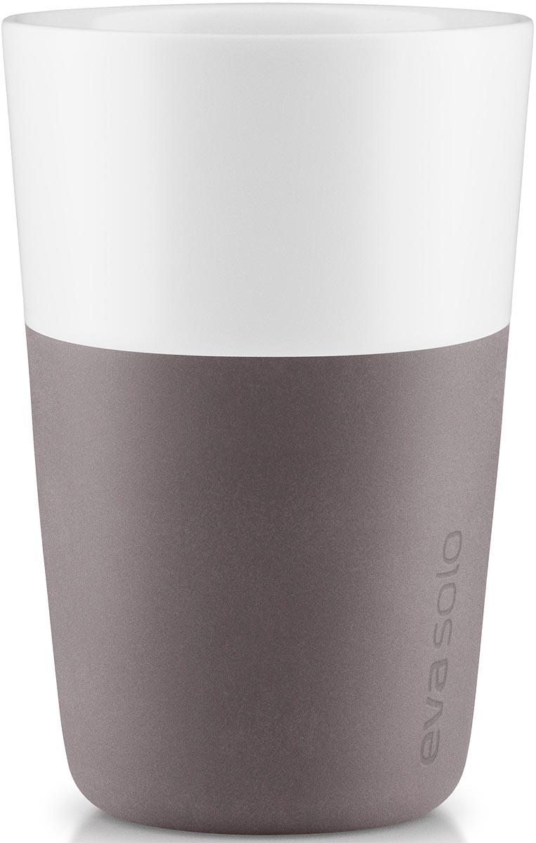 Чашка кофейная Eva Solo, цвет: серый, белый, 360 мл, 2 шт501022Набор из двух чашек для латте Eva Solo рассчитан на 360 мл - оптимальный объем для латте, (учитывая шапку молочной пены), а также стандартный объем для этого типа напитка у большинства кофе-машин.Чашки из белоснежного фарфора и с цветным силиконовым чехлом, который оберегает руки от соприкосновения с горячей поверхностью. Чехол легко снимается, после чего чашку можно мыть в посудомоечной машине.В комплекте 2 чашки.