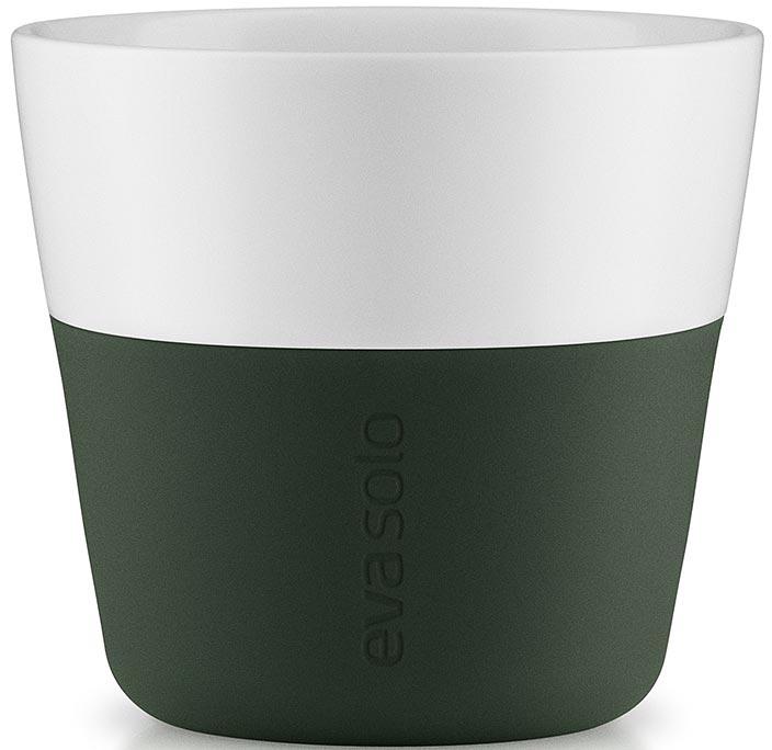 Чашка кофейная Eva Solo, цвет: темно-зеленый, 230 мл, 2 шт501056Набор из двух чашек Eva Solo, рассчитан на 230 мл - оптимальный объем для лунго, а также стандартный объем для этого типа напитка у большинства кофе-машин.Чашки выполнены из белоснежного фарфора и с цветным силиконовым чехлом, который оберегает руки от соприкосновения с горячей поверхностью. Чехол легко снимается, после чего чашку можно мыть в посудомоечной машине. В комплекте 2 чашки