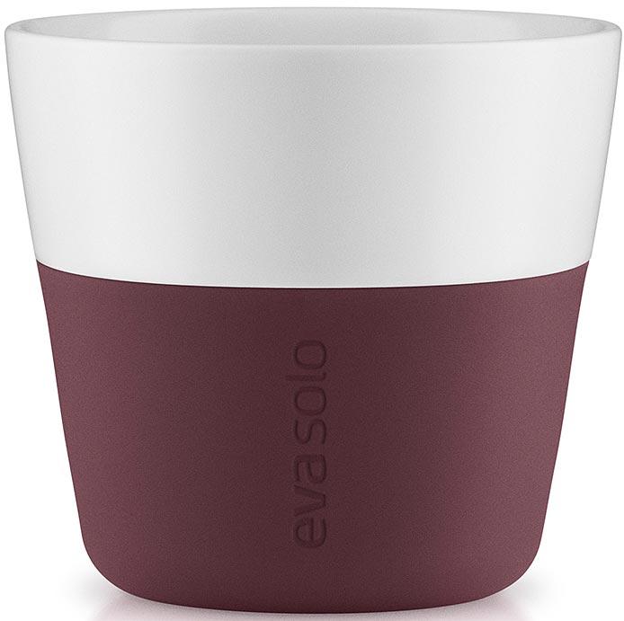 Чашка кофейная Eva Solo, цвет: бордовый, 230 мл, 2 шт501059Набор из двух чашек Eva Solo, рассчитан на 230 мл — оптимальный объем для лунго, а также стандартный объем для этого типа напитка у большинства кофе-машин.Чашки выполнены из белоснежного фарфора и с цветным силиконовым чехлом, который оберегает руки от соприкосновения с горячей поверхностью. Чехол легко снимается, после чего чашку можно мыть в посудомоечной машине. В комплекте 2 чашки