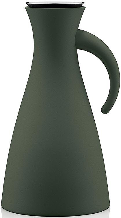 Термокувшин Eva Solo Vacuum, цвет: темно-зеленый, 1 л502805Термокувшин Eva Solo Vacuum - прекрасное решение для сервировки горячих и холодных напитков. Стильный матовый термокувшин оснащен специальным горлышком с системой dip-free, предотвращающей расплескивание при наливании. Внутренняя стеклянная колба и двойные стенки кувшина сохраняют постоянную температуру внутри очень долгое время. Центр тяжести смещен вниз, что делает кувшин устойчивым несмотря на его высоту. При необходимости, колбу можно заменить. Благодаря широкому горлышку внутрь удобно заливать жидкость и мыть колбу. Элегантный дизайн этого кувшина собрал множество наград, что подтверждает его исключительность. Термокувшин Eva Solo Vacuum - отличный вариант подарка.