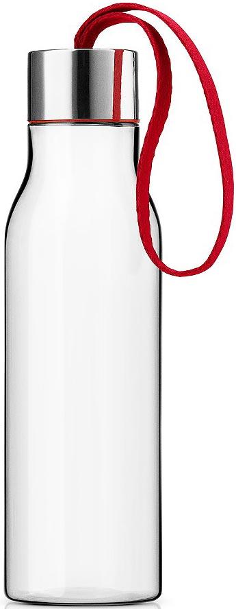 Бутылка для воды Eva Solo, цвет: красный, 500 мл502987Бутылка для воды Eva Solo подойдет для прогулок пешком или на велосипеде и для занятий спортом, а также ее можно взять с собой в офис или использовать на отдыхе. Благодаря удобному ремешку бутылку удобно переносить в руках, а герметично закрывающаяся крышка не позволяет жидкости разлиться, если бутылка находится в сумке. Модель выполнена из качественного ударопрочного пластика, в составе которого отсутствуют вредоносные примеси, такие как фталаты и бисфенол-А. Бутылка подходит для мытья в посудомоечной машине, крышку рекомендуется мыть вручную.