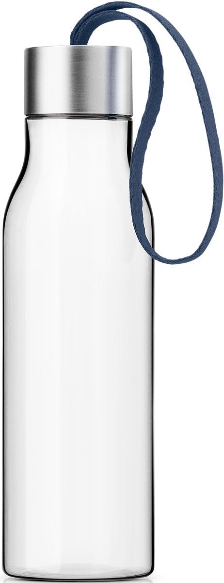 Бутылка для воды Eva Solo, цвет: темно-синий, 500 мл503028Бутылка для воды Eva Solo подойдет для прогулок пешком или на велосипеде и для занятий спортом, а также ее можно взять с собой в офис или использовать на отдыхе. Благодаря удобному ремешку бутылку удобно переносить в руках, а герметично закрывающаяся крышка не позволяет жидкости разлиться, если бутылка находится в сумке.Модель выполнена из качественного ударопрочного пластика, в составе которого отсутствуют вредоносные примеси, такие как фталаты и бисфенол-А. Бутылка подходит для мытья в посудомоечной машине, крышку рекомендуется мыть вручную.