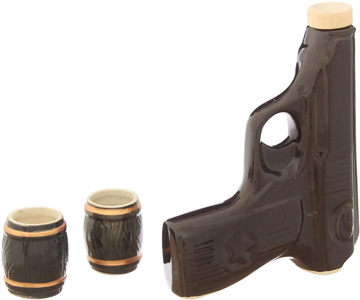 Набор винный Керамика ручной работы Макаров новый, 3 предмета. 21743972174397Штоф - это сосуд для крепких спиртных напитков. Он предназначен для хранения вина, водки, коньяка и настойки. К нему прилагаются оригинальные рюмки соответствующей тематики. Набор изготовлен из керамики - прочного материала, способного сохранять температуру жидкости до 4 часов, поэтому вы сможете наслаждаться охлажденными напитками даже во время долгих застолий. На праздничном ужине такая подача алкоголя приятно удивит ваших гостей. Кроме того, набор станет отличным подарком для ценителей качественных спиртных напитков.