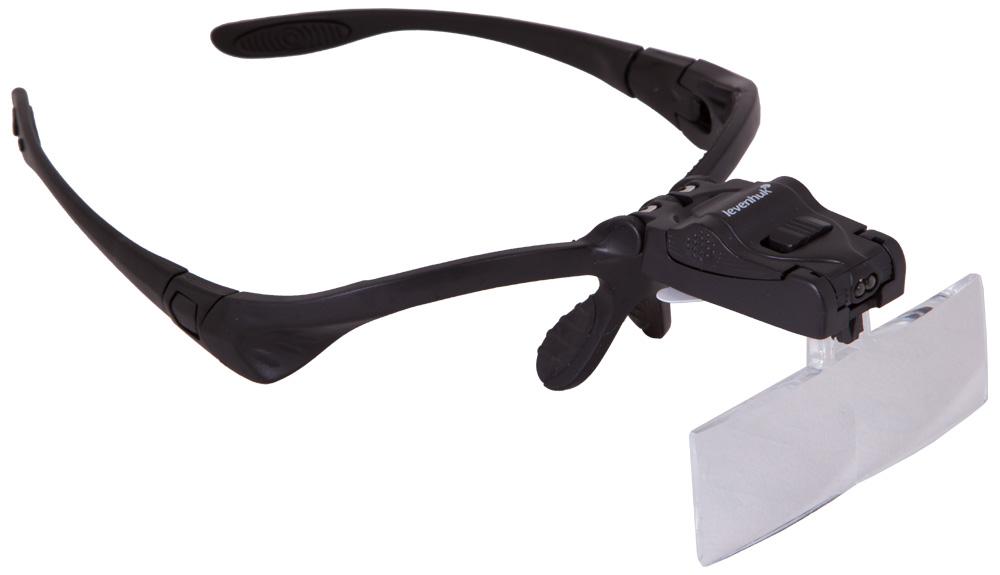 Levenhuk Zeno Vizor G3 лупа-очки69673Лупа-очки Levenhuk Zeno Vizor G3 – это пять увеличений в диапазоне от 1х до 3,5х, встроенная светодиодная подсветка и возможность менять крепление в любой момент. С этой лупой ваши руки всегда будут свободными, а точность выполнения работ – очень высокой.Levenhuk Zeno Vizor G3 комплектуется сменными линзами из оптического пластика. Уровень прозрачности и плотности этого материала ни в чем не уступает стеклу, при этом прочность и стойкость к повреждениям у пластика намного выше. Линзы можно устанавливать на оправу попеременно, меняя тем самым кратность. В комплекте идут два крепления: одно – очковая оправа, которое позволяет носить лупу как обычные очки, второе – нейлоновый ремень, с помощью которого лупу можно закрепить на голове. Вы можете менять их в зависимости от ситуации.Лупа снабжена встроенной светодиодной подсветкой. Она работает от батареек (есть в комплекте) и позволяет точно осветить необходимую деталь или область работы.Диаметр линзы: 84x28 мм (5 шт.) Диаметр дополнительной линзы: 21 мм Материал оптики: оптический пластик