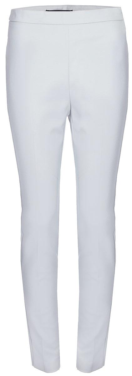 Брюки женские Vero Moda, цвет: белый. 10188388_High-Rise. Размер 4610188388_High-RiseСтильные однотонные брюки, выполненные из эластичного комбинированного материала, отлично дополнят ваш гардероб. Модель зауженного кроя сзади дополнена имитацией двух прорезных карманов.