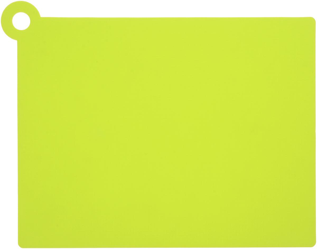 Коврик для резки Zeller, цвет: салатовый, 39 х 30,7 см26118_салатовыйКоврик для резки Zeller выполнен из гибкого пищевого пластика, что позволяет удобно высыпать нарезанные продукты. Изделие не впитывает запах продуктов, имеет антибактериальную поверхность, отличается долгим сроком службы. Ножи не затупляются при использовании. Можно использовать обе стороны коврика. Устойчив к деформации и высоким температурам. Такой коврик понравится любой хозяйке и будет отличным помощником на кухне. Можно мыть в посудомоечной машине.Размер без учета ручки: 37 х 28,5 см.Размер с учетом ручки: 39 х 30,7 см.