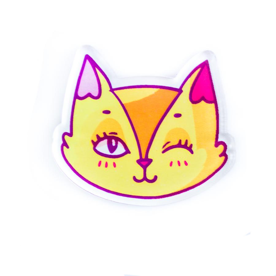 Игривая брошь Лисичка – позитивный, прикольный значок, хитро подмигивающий каждому, кого ты встретишь!