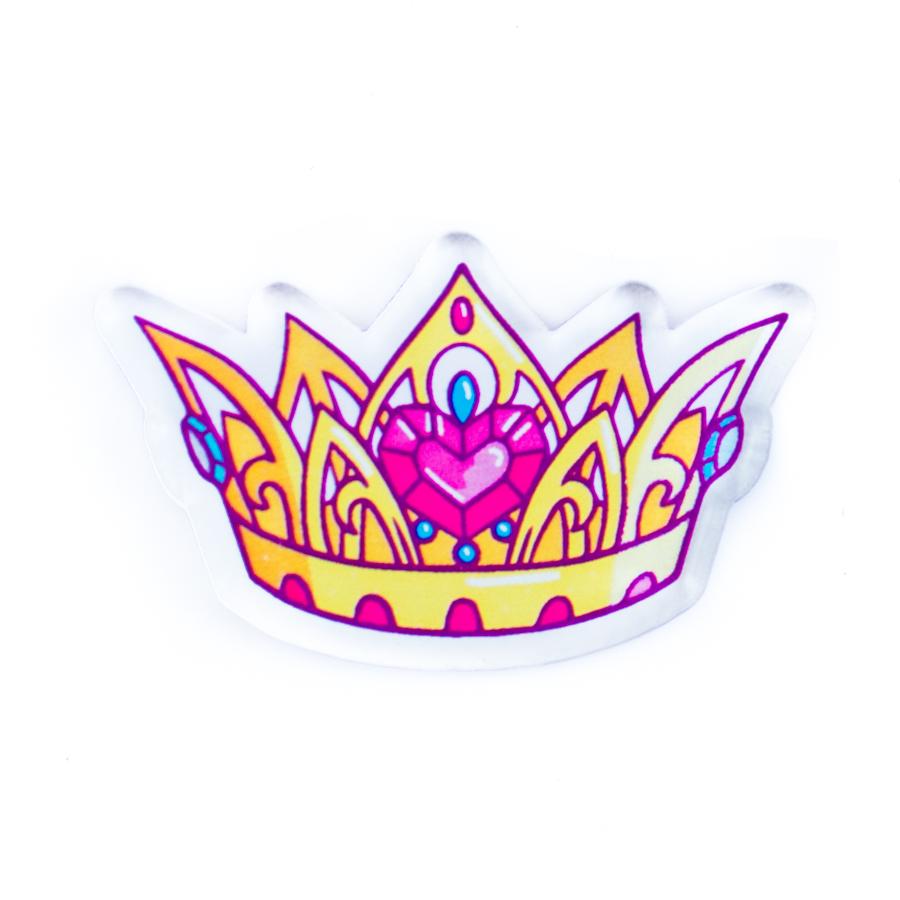 Роскошная брошь Корона – королевский аксессуар, который легко превращает твой повседневный гардероб в набор ярких и запоминающихся образов!
