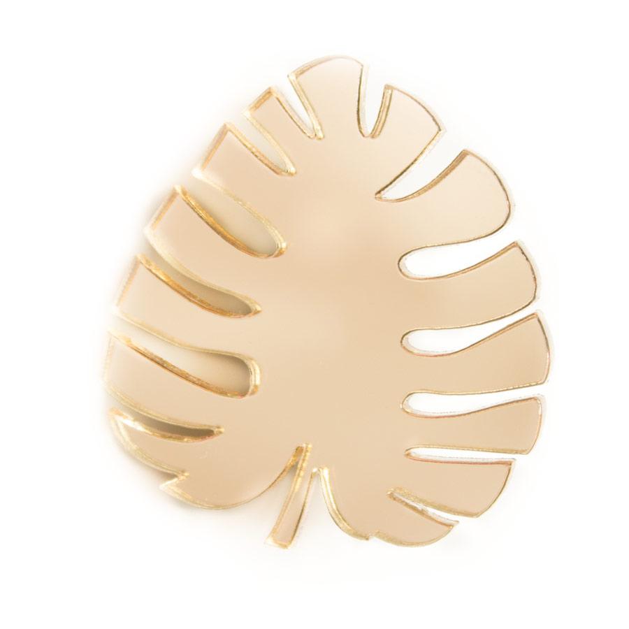 Брошь Markov.Design Золотая пальма1113121033Стильная зеркальная брошь в виде золотого пальмового листа. Брошь Золотая пальма – утонченный аксессуар для особ, которым не чужды настроения роскоши и богатства. Размер 4 х 4 см.