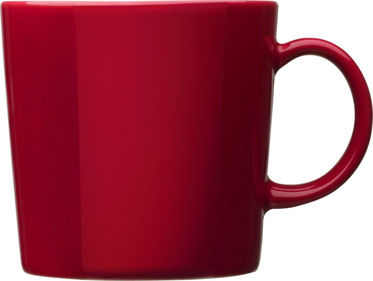 Кружка Iittala Teema, цвет: красный, 300 мл1006013Кружка Iittala Teema выполнена из высококачественного фарфора. Необычная кружка имеет широкую горловину и удобную ручку для повседневного использования. Не оставит равнодушным ни одного из ваших гостей и станет прекрасным выбором для подарка.Teema - это классика дизайна Iittala, каждый продукт имеет четкие геометрические формы: круг, квадрат и прямоугольник. Как говорит Кай Франк: Цвет является единственным украшением. Посуда серии Teema является универсальной, ее можно комбинировать с любой серией Iittala. Она практична и лаконична.