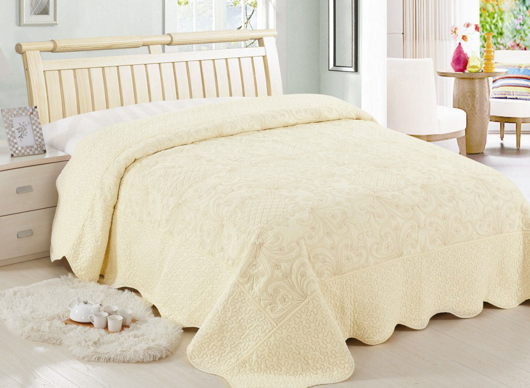 Покрывало Arloni прекрасно оформит интерьер спальни или гостиной. Изготовлено из 100% натурального хлопка с добавлением полиэстера, поэтому подходит как для взрослых, так и для детей. Натуральные краски абсолютно гипоаллергенны.  Изделие выполнено из экологически чистого материала, отличается высоким качеством, легко стирается и сохраняет замечательный внешний вид долгое время.  Покрывало Arloni не только подарит тепло, но и гармонично впишется в интерьер вашего дома.