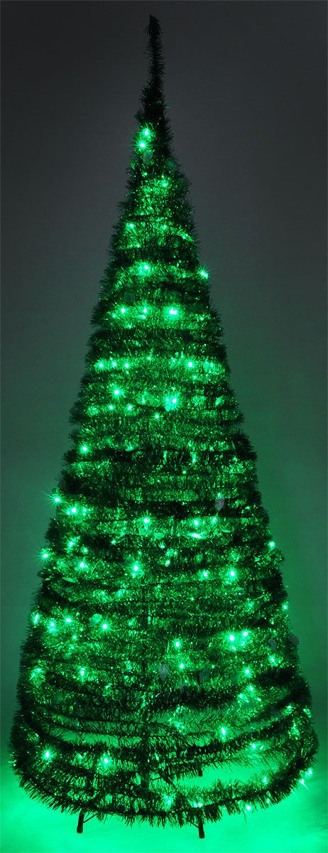 Светодиодная Елка из мишуры применяется для украшения помещений, витрин и других объектов. Используется внутри помещений.  Высота фигуры: 2,1 м.  Цвет свечения: зеленый.  Цвет елки: зеленый