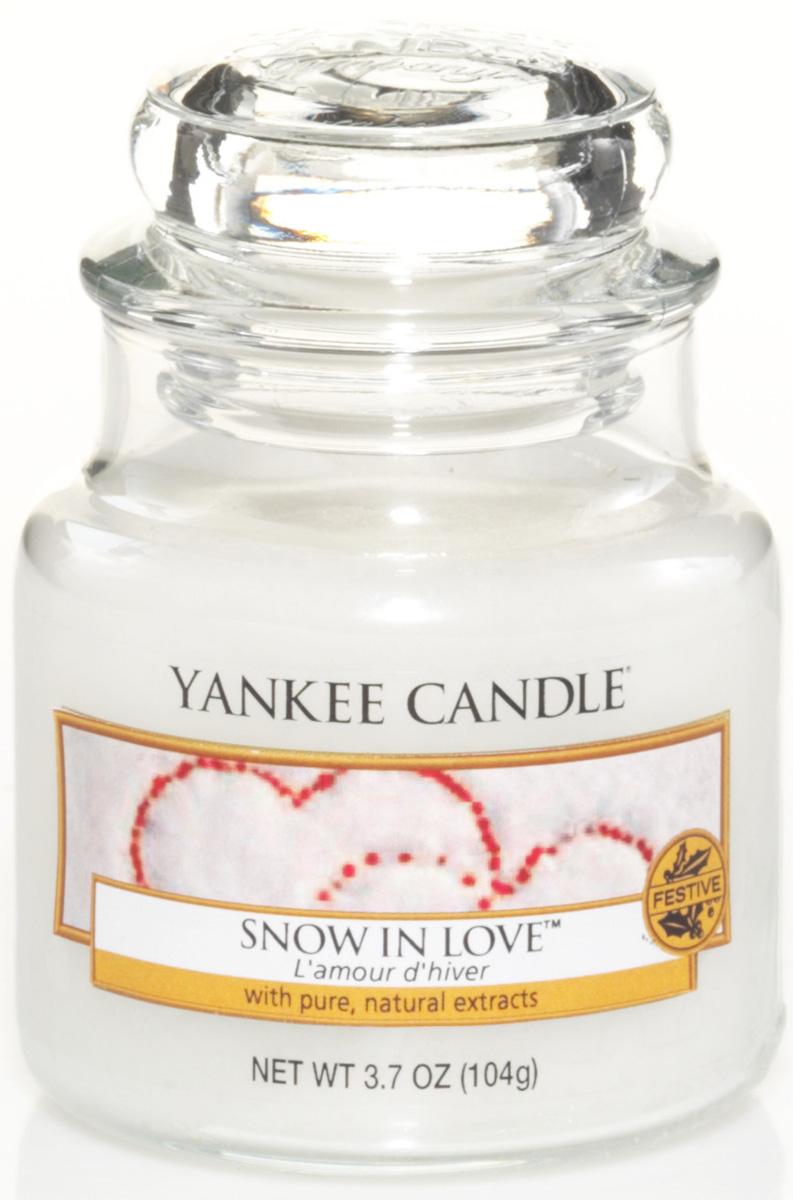 Свеча ароматизированная Yankee Candle Snow in love, высота 8,6 см свеча ароматизированная bolsius ландыш высота 6 3 см