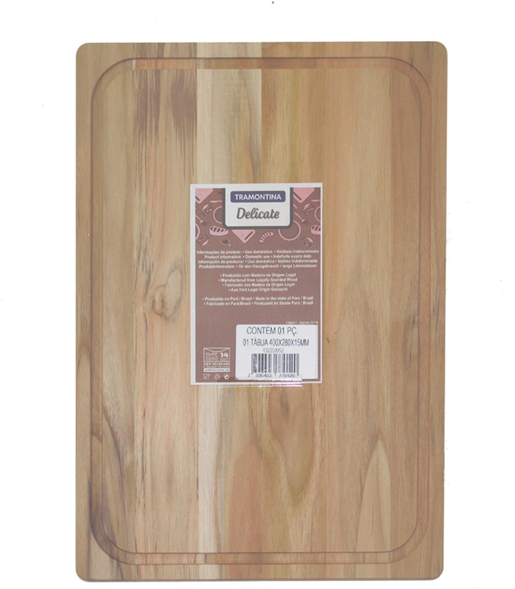 Доска разделочная Tramontina Teak, 40 х 28 х 1,5 см13222/052-TRРазделочная доска Tramontina Teak изготовлена из тикового дерева - одним из наиболее известных деревьев в мире благодаря своим ценным свойствам - долговечности, прочности, легкому весу, обрабатываемости и привлекательному внешнему виду. Из-за устойчивости к воде тиковое дерево показывает выдающуюся долговечность в сухих и влажных условиях и считается очень ценной древесиной. Это качество тика длительное время ценилось в кораблестроении и определило когда-то его главное направление использования - палубы и прочие деревянные части кораблей, где, кстати, он применяется до сих пор.Тиковая древесина обладает химической устойчивостью к воздействию кислот. Разделочные доски из тикового дерева сохраняют все ценные свойства древесины.Прекрасно подходят для нарезания продуктов и сервировки стола.Для досок Tramontina используется дерево из возобновляемых лесов. Толщина разделочной доски: 1,5 см.
