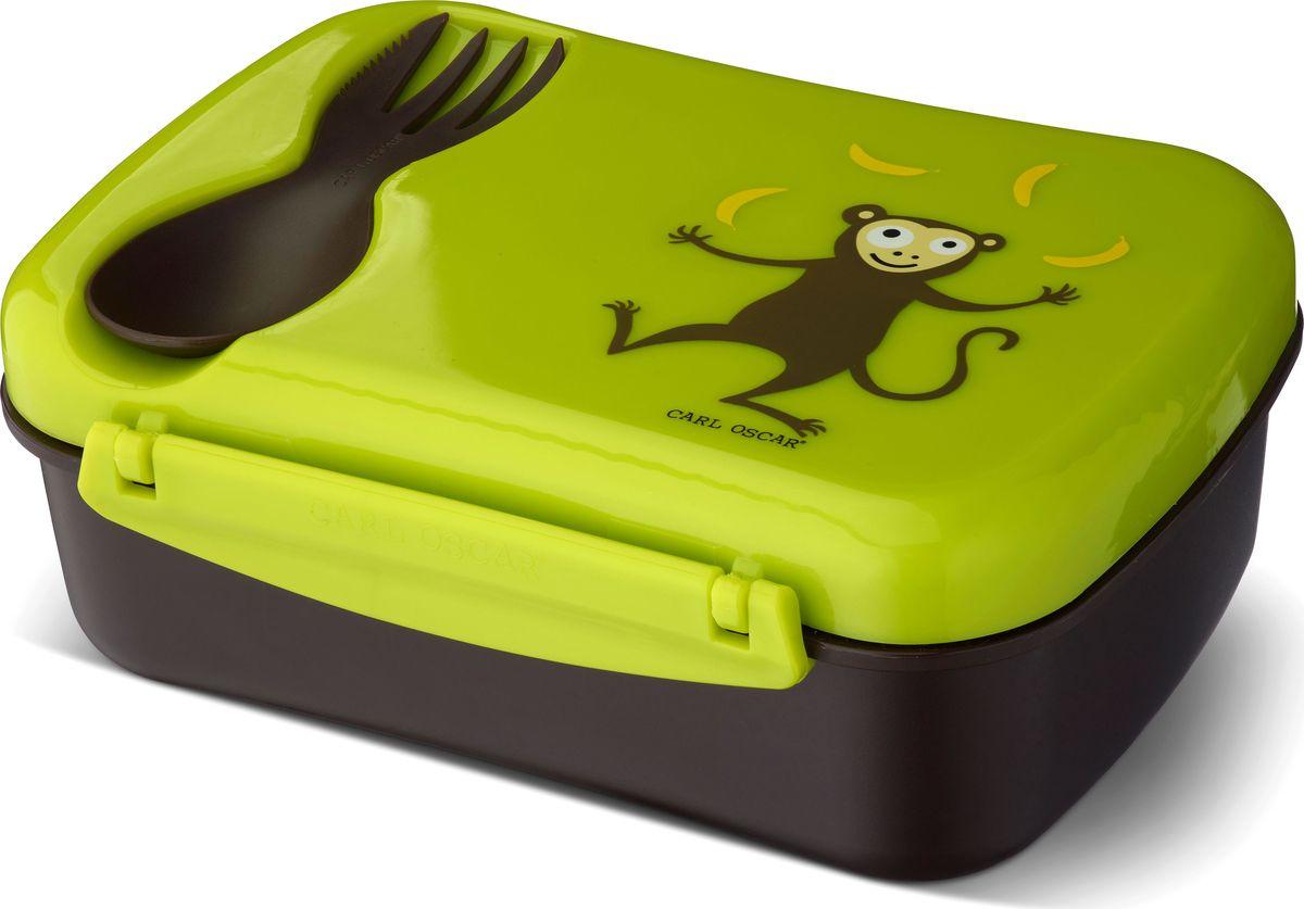 Ланч-бокс детский с охлаждающим элементом Carl Oscar Nice Box Monkey, цвет: лайм, 0,75 л106101Удобный и герметичный ланч-бокс со съемным охлаждающим диском на крышке. Идеален для школы, прогулок и путешествий. Дети будут есть полезную пищу из ланч-бокса, производство которого эффективно по затратам и не имеет вреда для здоровья. Подходит для свежих овощей, фруктов и топпингов. В комплект Nice Box Spider входит многофункциональный столовый прибор CUTElery 3в1, который закрепляется на крышке и включает в себя ложку, вилку и ножик.Заморозьте охлаждающий диск, поместив его горизонтально в морозильную камеру на 6 и более часов. Прикрепите диск на крышку, чтобы продукты оставались охлажденными и свежими при комнатной температуре в течение 5 часов. Ланч-бокс может использоваться и без охлаждающего диска.Изображения животных, специально разработанные для продуктов Carl Oscar, - работа известного шведского иллюстратора Линн Элдин.Ланч-бокс не содержит бисфенол А, фталаты и свинец, а в охлаждающем диске использован гель, в состав которого не входят токсичные вещества.Дизайн: Carl Oscar®