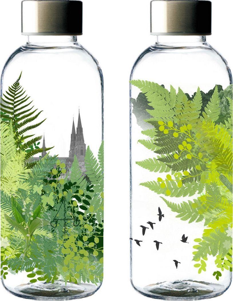 Бутылка для воды Carl Oscar WisdomFlask Nature, 650 мл106401Качественная и долговечная бутылка для воды WisdomFlask обладает легким весом и 100% герметичностью, рассчитана на 0,65 литров жидкости. Пластик Tritan отличается высокой прочностью и не сохраняет запахи. Разработана в тесном сотрудничестве бренда Carl Oscar с графическим дизайнером Магдалиной Лундквист. Уникальная иллюстрация бутылки основана на древних скандинавских рунах. Слово руна означает мудрость или секрет. Рунические надписи - древнейшие письменные памятники на шведском языке. На бутылке WisdomFlask Nature изображена руна Эйваз - символизирует царство растений и означает, что вы на верном пути. Это руна природы, часто ассоциируется с Мировым древом Иггдрасиль.Рекомендуется мыть вручную для сохранения принта.• 100% герметичность• Прочный пластик Tritan• Эксклюзивный дизайн с древнескандинавским символом защиты• Не содержит бисфенол АДизайн: Magdalena Lundkvist