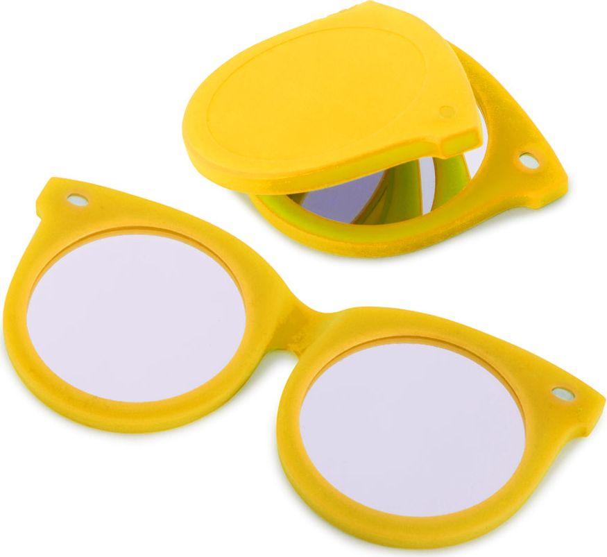 Balvi Зеркальце Shades, цвет: желтый26329Эти необычные и яркие очки не только поднимут настроение, но и послужат прекрасным помощником в тот момент, когда нужно быстро прихорошиться. Забавные очки на самом деле имеют в оправе два зеркальца – простое и увеличительное. Силиконовая оправа с магнитом служит отличной защитой для зеркал, поэтому не бойтесь носить этот оригинальный аксессуар с собой в сумке или карманах. Зеркальце Shades желтого цвета станет отличным подарком для молодой и энергичной девушки, которая не представляет себе жизни без ярких и позитивных эмоций.• Оригинальный дизайн зеркальца в форме молодежных очков• В оправе имеется два зеркала – стандартное и с увеличительное (5-кратное увеличение)• Оправа выполнена из силикона с магнитом• Возможность снять зеркало из оправы