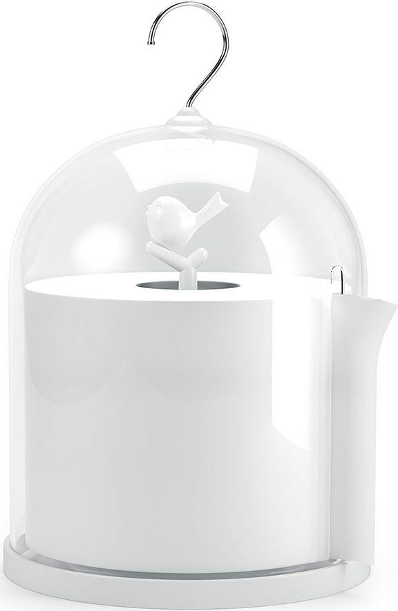Необходимый аксессуар для каждой квартиры или дома – держатель для туалетной бумаги Birdie от испанского бренда Balvi. Он представляет собой подставку с прозрачной крышкой, под которую ставят  рулон туалетной бумаги. В крышке есть удобное отверстие для бумаги, с помощью которого можно контролировать рулон при отрывании. Держатель изготовлен из прозрачного и белого пластика, так что он подойдет к любому интерьеру. А благодаря прочности материала, он выдержит постоянную влагу в случае совмещенного санузла.   • Можно поставить на любую ровную поверхность или подвесить за крючок • Нейтральный цвет гарантирует совместимость с любым дизайном помещения • Оригинальный необычный дизайн