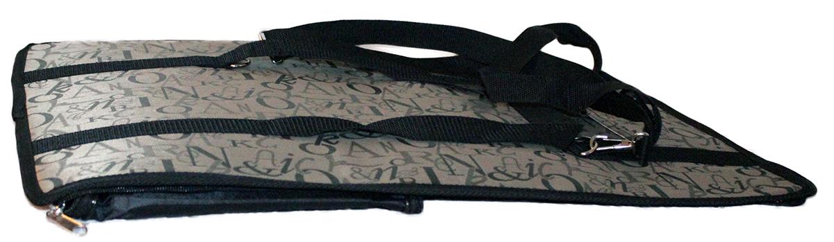 Сумка-переноска для животных Теремок, 40 х 23 х 24 смСПР-1Удобная и практичная сумка-переноска для собак и кошек. Практичная плотная ткань хорошо стирается. Твердое основание сумки не позволит животному провисать. В дверцу переноски вставлена сетка, чтобы животное могло дышать. Сумка для переноски небольших животных. Сеточка для вентиляции, умеренно длинные ручки для комфортного размещения на плече, небольшой открытый карман для мелочевки. Раскладывается для удобного хранения в плоском виде. Усиленное дно, прокладка вынимается.Прикольные переноски, которые наверняка понравятся питомцу. Статья OZON Гид