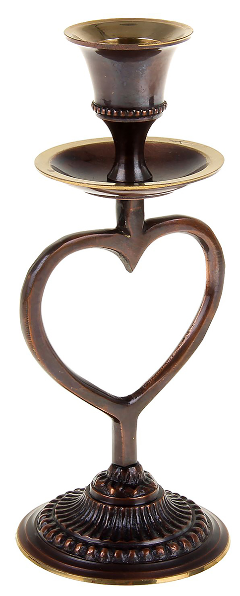 Подсвечник Сердце, цвет: темно-коричневый, 6,5 х 6,5 х 16 см1044796Индийским мастерам удалось объединить классический стиль подсвечника и барокко. Он выполнен из латуни, вручную отливался каждый элемент, обрабатывался и полировался так, чтобы отражались тени в его статной фигуре. Подсвечник на 1 свечу Сердце — то, что понравится даме с хорошим вкусом, пригодится в качестве подарка на семилетнюю годовщину свадьбы и великолепно дополнит интерьер каминного зала, спальной, гостиной или прихожей.