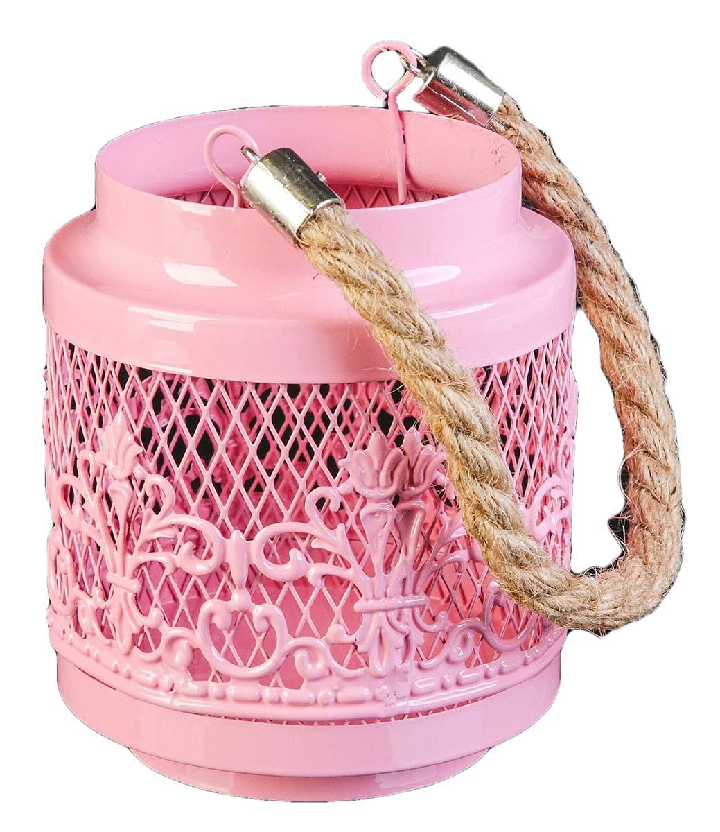 Подсвечник Банка с орнаментом, цвет: розовый, 11 х 11 х 13 см2490251Невозможно представить нашу жизнь без праздников! Мы всегда ждем их и предвкушаем, обдумываем, как проведем памятный день, тщательно выбираем подарки и аксессуары, ведь именно они создают и поддерживают торжественный настрой. — это отличный выбор, который привнесет атмосферу праздника в ваш дом!Известно, что на пламя можно смотреть вечно: его мягкое золотистое сияние проясняет сознание и чарует. Огонь свечи притягивает наше внимание еще больше. Он делает атмосферу загадочной и романтичной.
