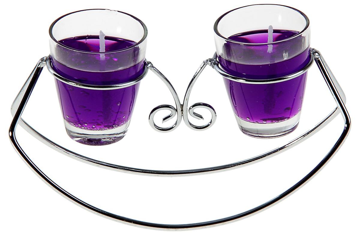 Подсвечник Лодочка, с гелевыми свечами, цвет: фиолетовый, 14 х 5,5 х 8 см139362Известно, что на пламя можно смотреть вечно: его мягкое золотистое сияние чарует и проясняет сознание. Огонь, который льется лучистым светом из подсвечника, притягивает наше внимание еще больше. Такой дуэт делает атмосферу загадочной и романтичной.