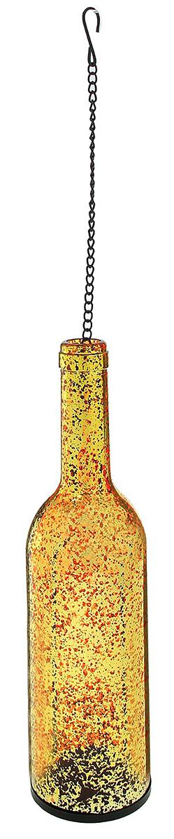 Подсвечник Бутылка, цвет: золотистый, 7,5 х 7,5 х 28,5 см2260782Невозможно представить нашу жизнь без праздников! Мы всегда ждем их и предвкушаем, обдумываем, как проведем памятный день, тщательно выбираем подарки и аксессуары, ведь именно они создают и поддерживают торжественный настрой. — это отличный выбор, который привнесет атмосферу праздника в ваш дом!Известно, что на пламя можно смотреть вечно: его мягкое золотистое сияние проясняет сознание и чарует. Огонь свечи притягивает наше внимание еще больше. Он делает атмосферу загадочной и романтичной.