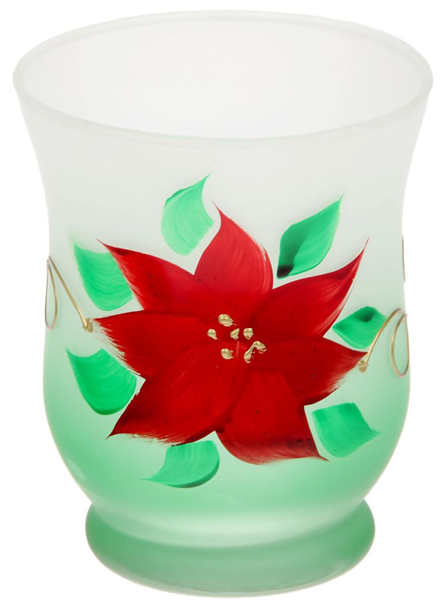 Современные производители в изготовлении подсвечников чаще используют цветное стекло.  Стекло самое нетребовательное в уходе, изделие из него достаточно промыть в теплой воде с  добавлением моющего средства. Стеклянный подсвечник чаще имеет форму стакана,  используют его для размещения греющей свечи. Только не забудьте налить на дно пару столовых  ложек воды, чтобы металлическая основа свечи не касалась стекла, иначе оно лопнет от  перегрева.